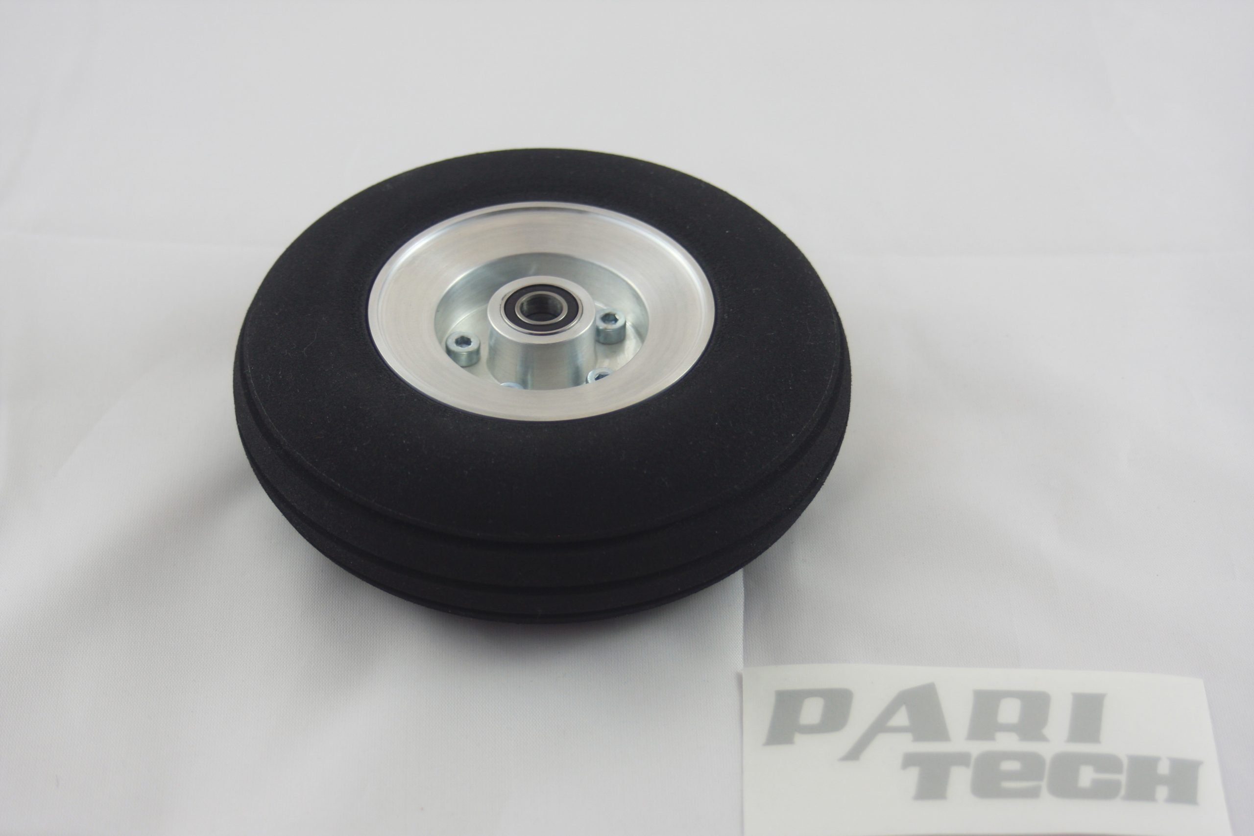 120 mm wheel with rim made of aluminium